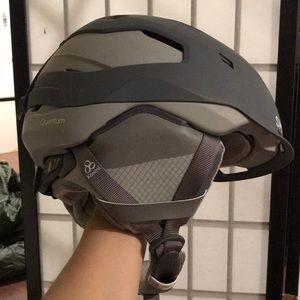 Smith Quantum Women's Helmet Size Small, MIPS